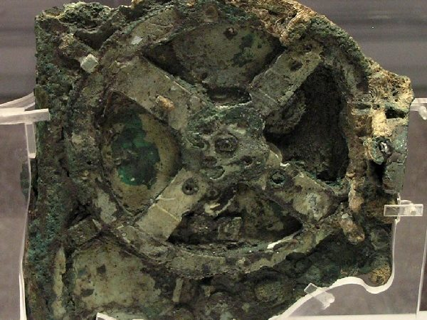 Antikythera Mechanism – Mechanical Analog Computer