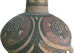 4000 years old Funeral Urn in China with Vedic Swastika symbol