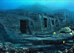 Yonaguni Island, 14,000 years old in Japan