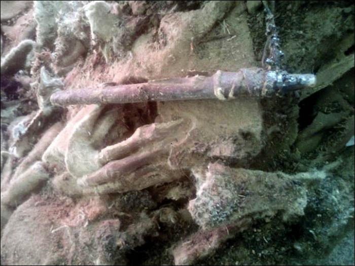 mongolia mummy hand