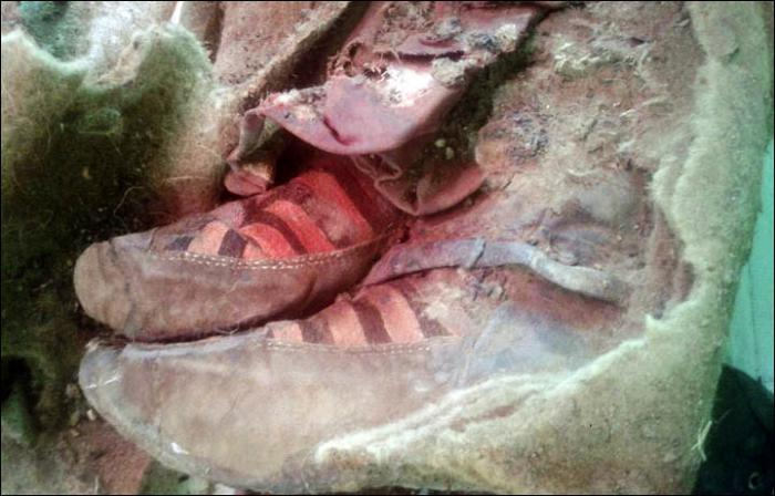 mongolia mummy shoes