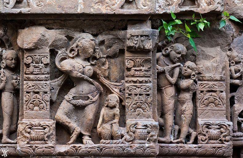 chand baori sculptures