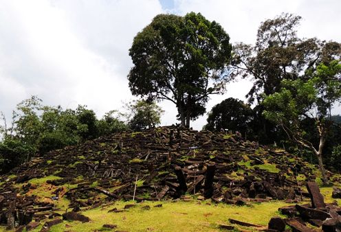 gunung padang megaliths