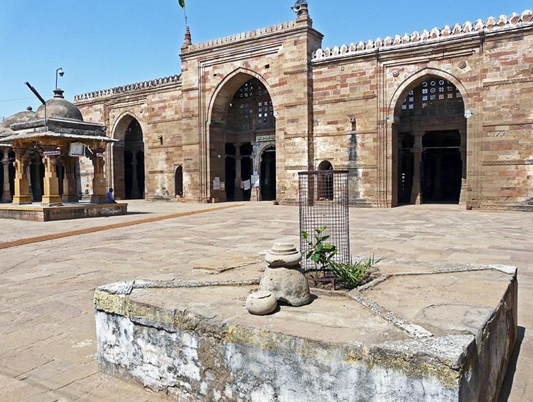 Jami Masjid Khambhat Mandap