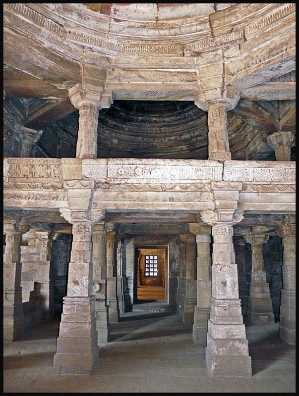 Jami Masjid Khambhat Pillars