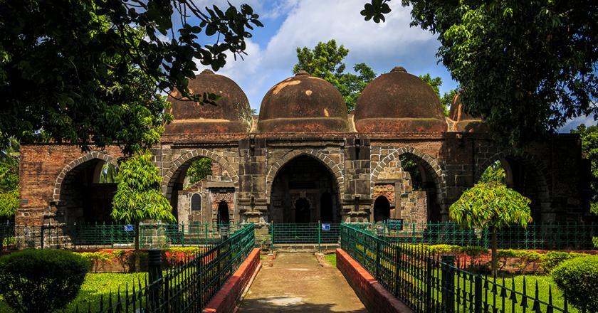 Zafar Khan Ghani Masjid front view