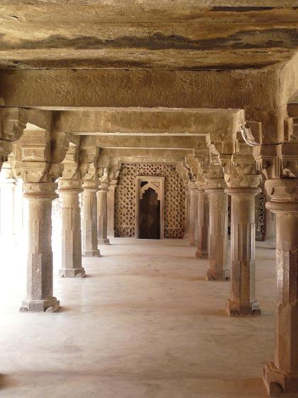 Atala Masjid Jaunpur Pillared hall of temple