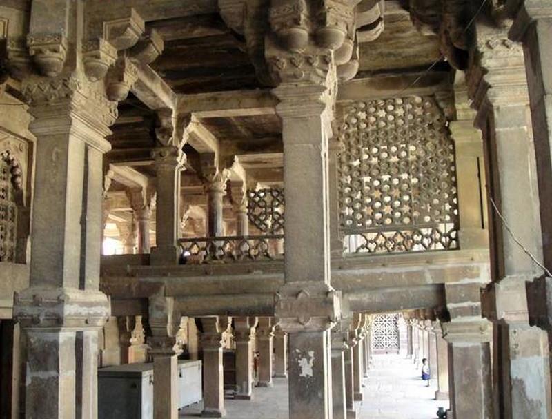 Atala Mosque Inside