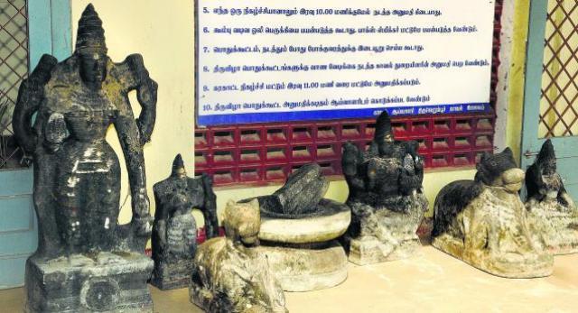 7 smuggled stone idols thiruverumbur tamil nadu
