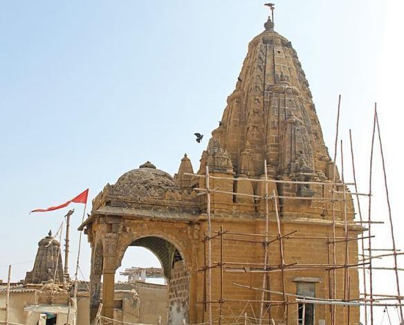 varun dev temple manora island karachi